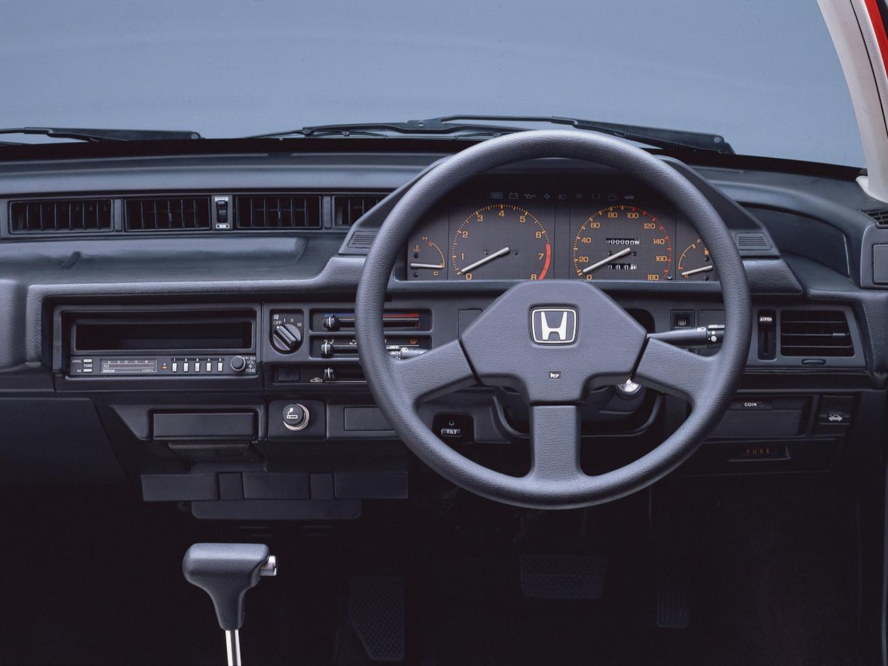 Интерьер Honda Quint Integra