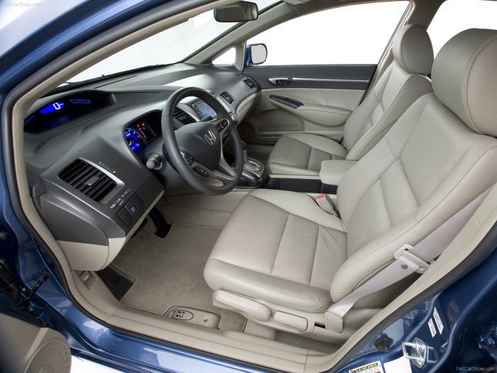 Салон Honda Civic 4D hybrid 8 поколения