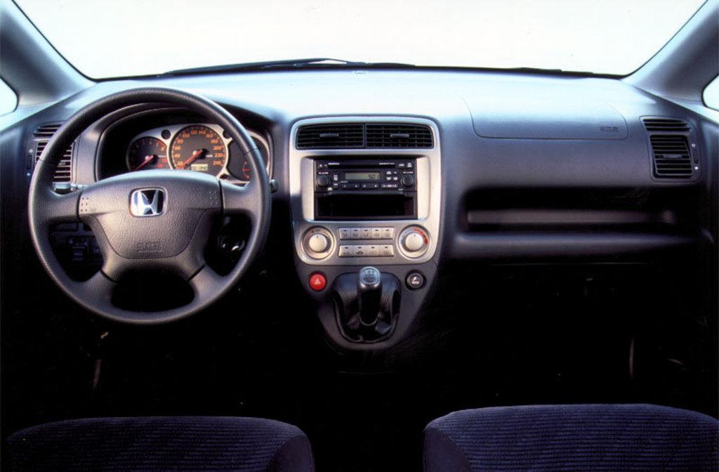 Тойота калдина ат 211 или хонда стрим